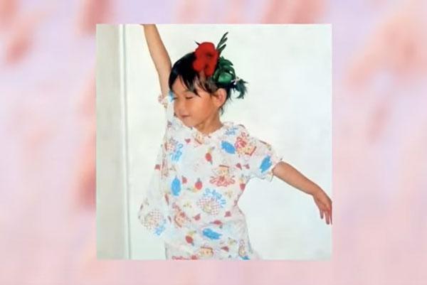 Nhóc tỳ xinh yêu này là idol Hàn nào? (2) - 15