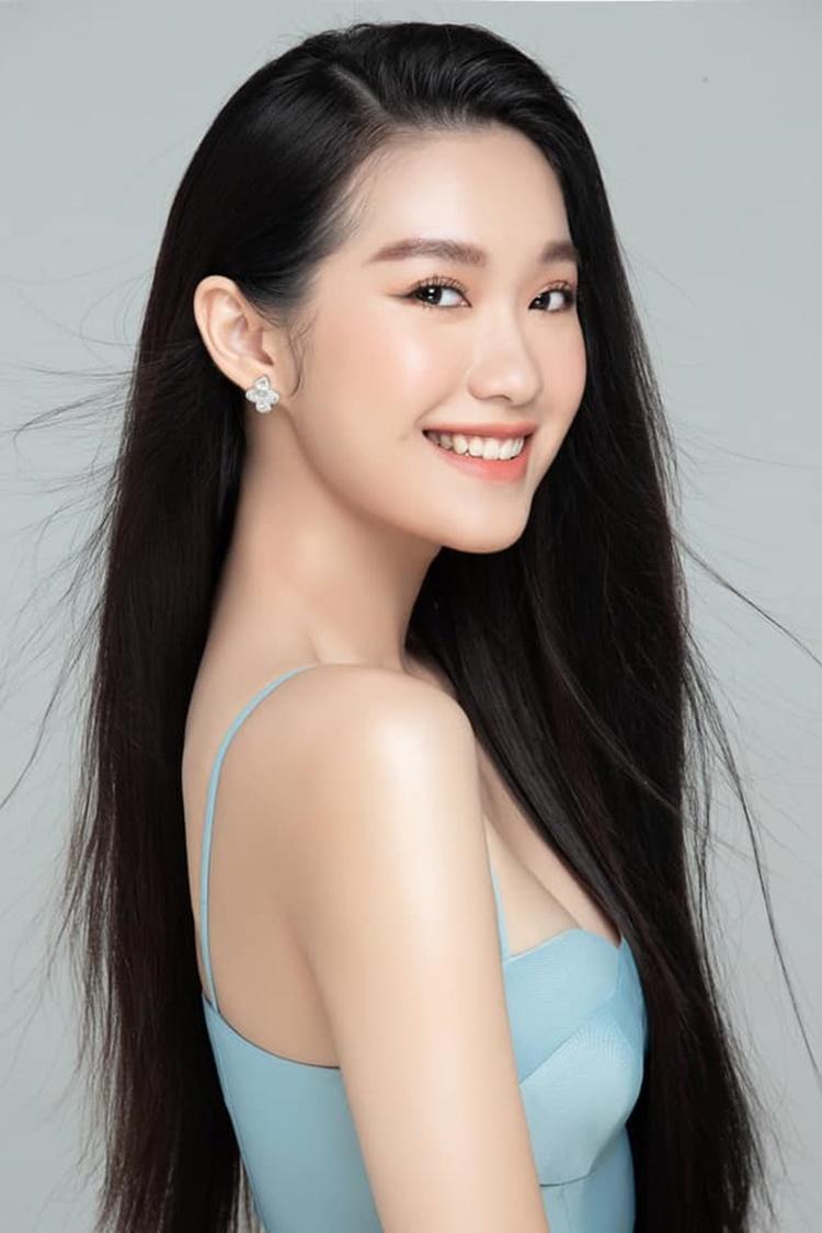 Nữ sinh 19 tuổi học piano chuyên nghiệp từ nhỏ. Cô có năng khiếu hát, vẽ múa. Lúc rảnh rỗi, Hải My thường đọc sách, chơi đàn, tập gym và đi du lịch cùng gia đình.