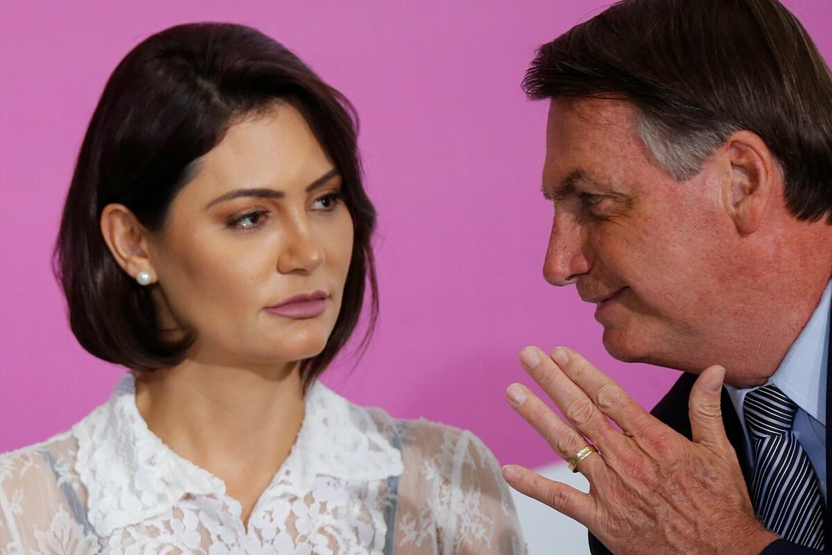 Tổng thống Jair Bolsonaro và phu nhân Michelle Bolsonaro. Ảnh: Reuters.