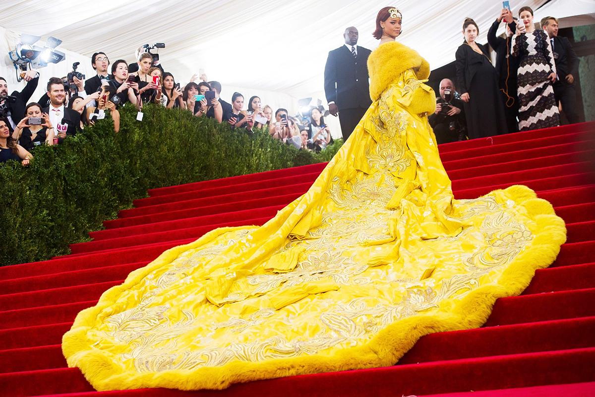 Rihanna từng sợ biến thành con hề trên thảm đỏ - 3