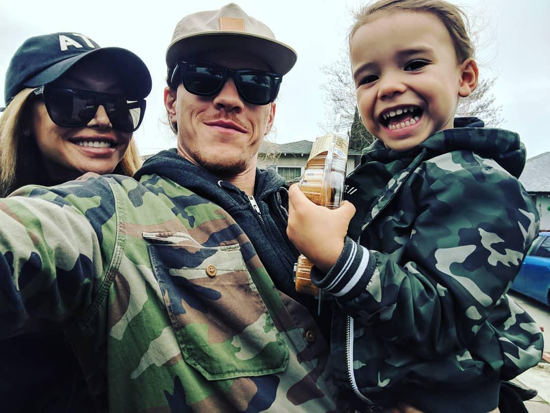 Naya Rivera cùng chồng cũ và con trai Josey.