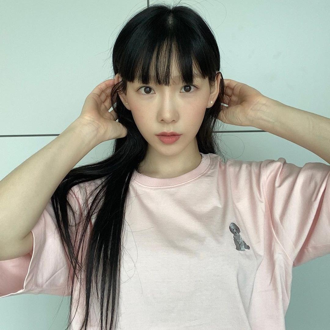 Tae Yeon trông như nữ sinh với màn hack tuổi đỉnh cao.