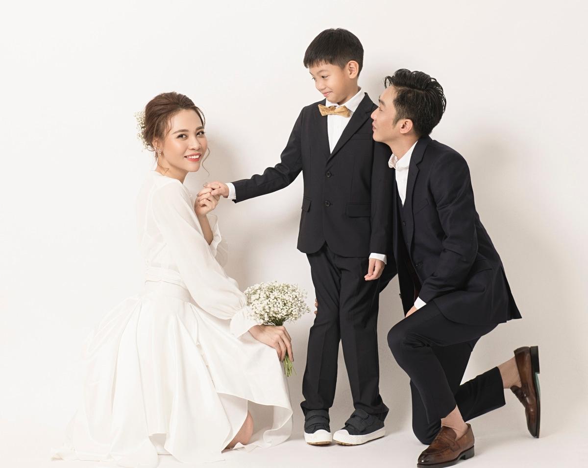 Đàm Thu Trang có mối quan hệ thân thiết của Subeo - con trai riêng của Cường Đô La và Hồ Ngọc Hà. Subeo gọi Thu Trang là mẹ. Vào những ngày lễ, Subeo cùng bố tổ chức tiệc, tặng quà cho mẹ Trang. Họ thường xuyên đi du lịch chung để tình cảm thêm khăng khít.