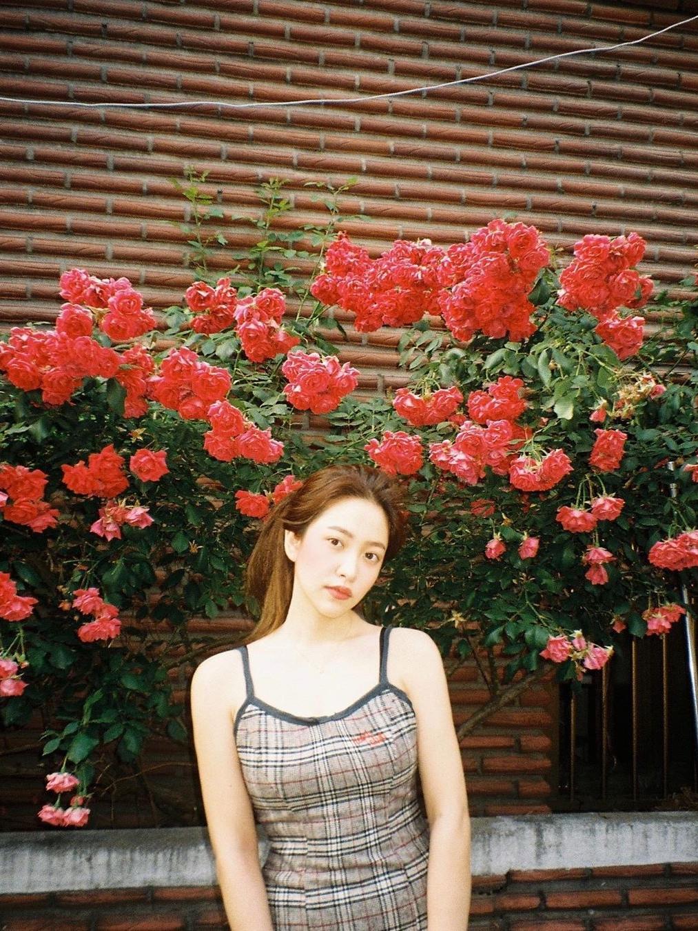 Yeri cũng là idol nữ nổi tiếng với các shoot hình Instagram cực nghệ.