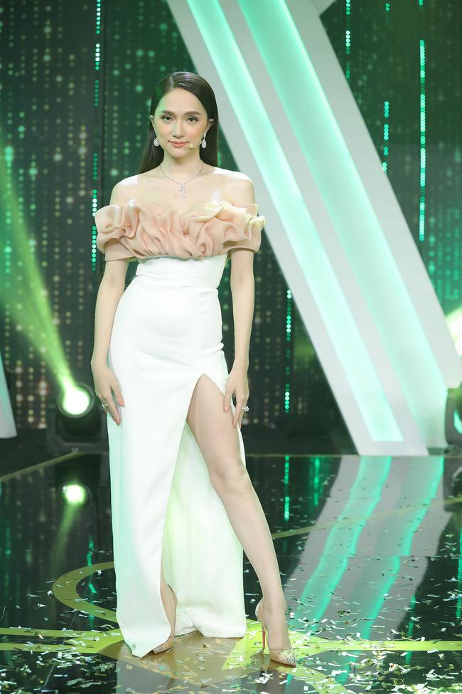 Hương Giang tại chương trình.