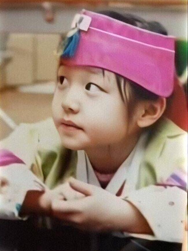 Hành trình nhan sắc càng lớn càng xinh của Jang Won Young