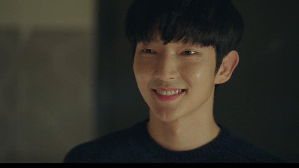 Đây là lần đầu tiên Lee Jun Ki đóng vai sát nhân trên màn ảnh. Diễn xuất của anh trên phim khiến khán giả rợn người khi nhân vật Baek Hee Sung luôn có những màn lật mặt khi đóng hai vai: người chồng hiền lành, yêu vợ và kẻ sát nhân giết người không ghê tay.