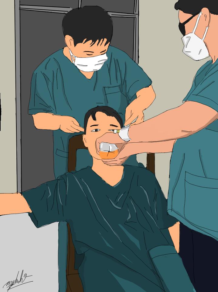 Hình ảnh nam bác sĩ mệt nhoài được đăng tải trên mạng xã hội vào tối 4/8.