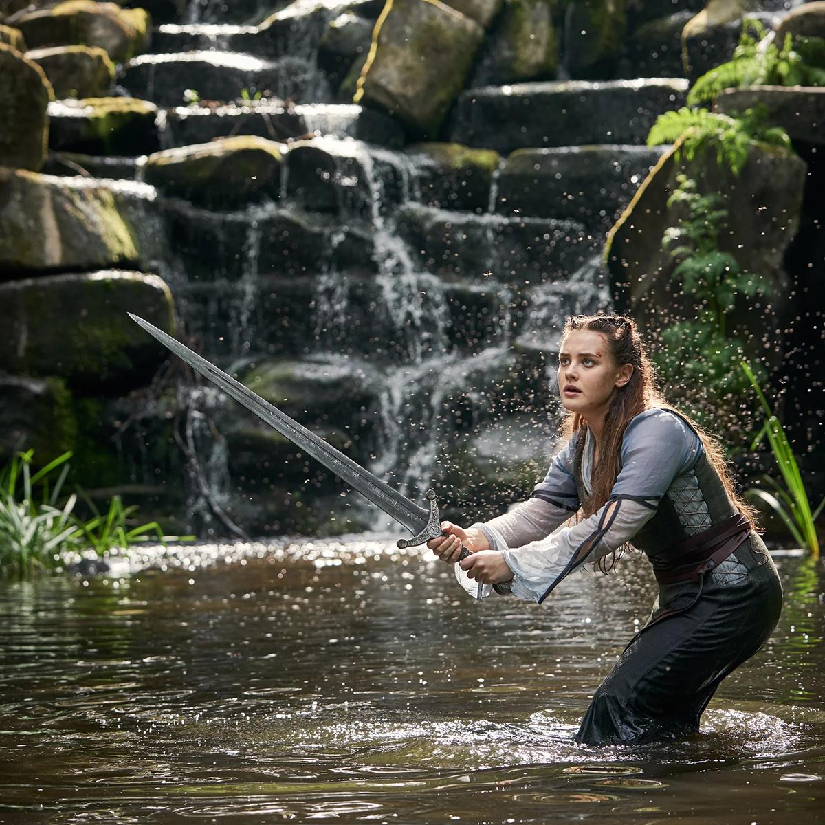 Nimue trong một trận chiến dưới hồ.