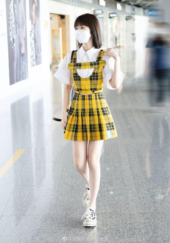 Nữ diễn viên 32 tuổi được khen không biết già là gì khi diện style váy áo kiểu nữ sinh.