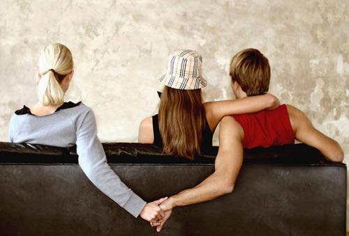 Nếu đã không thể chung thủy, vậy thì đừng nên bắt đầu một mối quan hệ tình cảm nào hết!