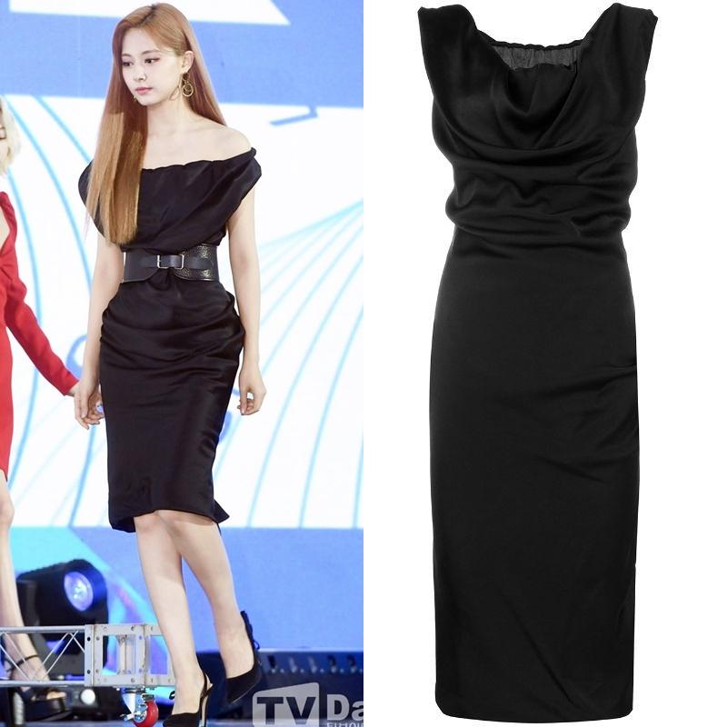Tzuyu thu hút sự chú ý khi diện thiết kế mini-dress lụa của thương hiệu Vivienne Westwood có giá 1.114 USD (khoảng 25,6 triệu đồng).