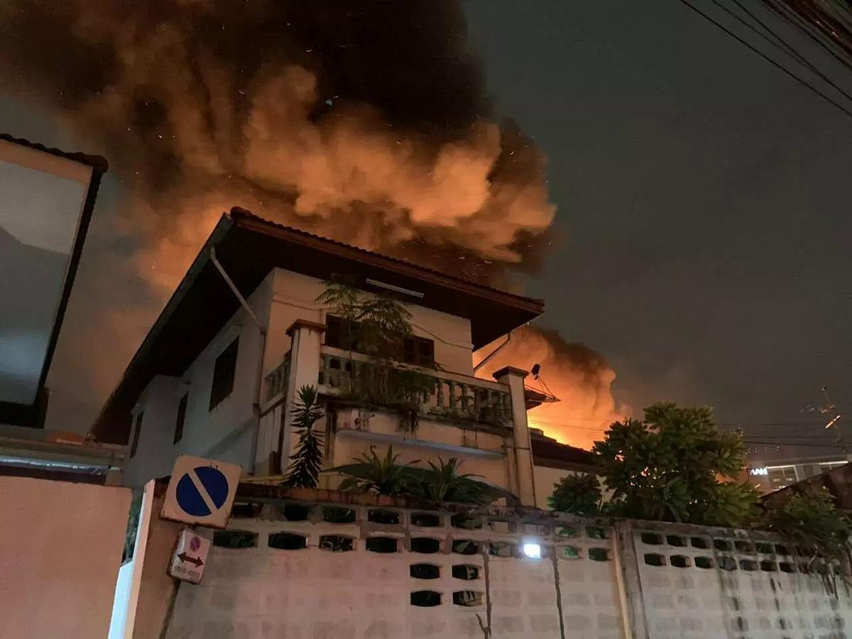 Hỏa hoạn xảy ra tại khu nhà của cầu thủ Thái Lan.