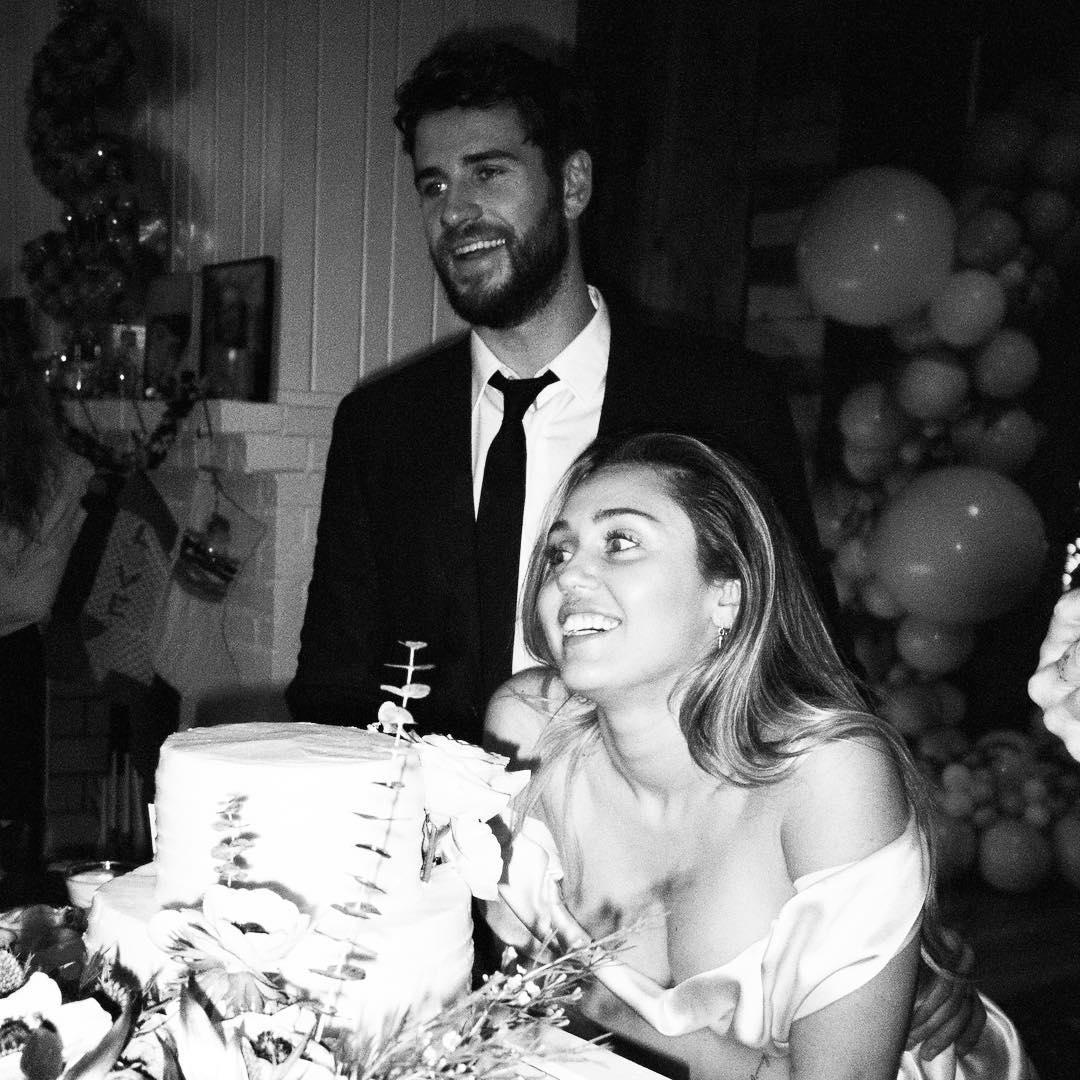 Cuối năm ngoái, cặp đôi có đám cưới giản dị tự tổ chức tại nhà, chỉ mời người thân trong gia đình.