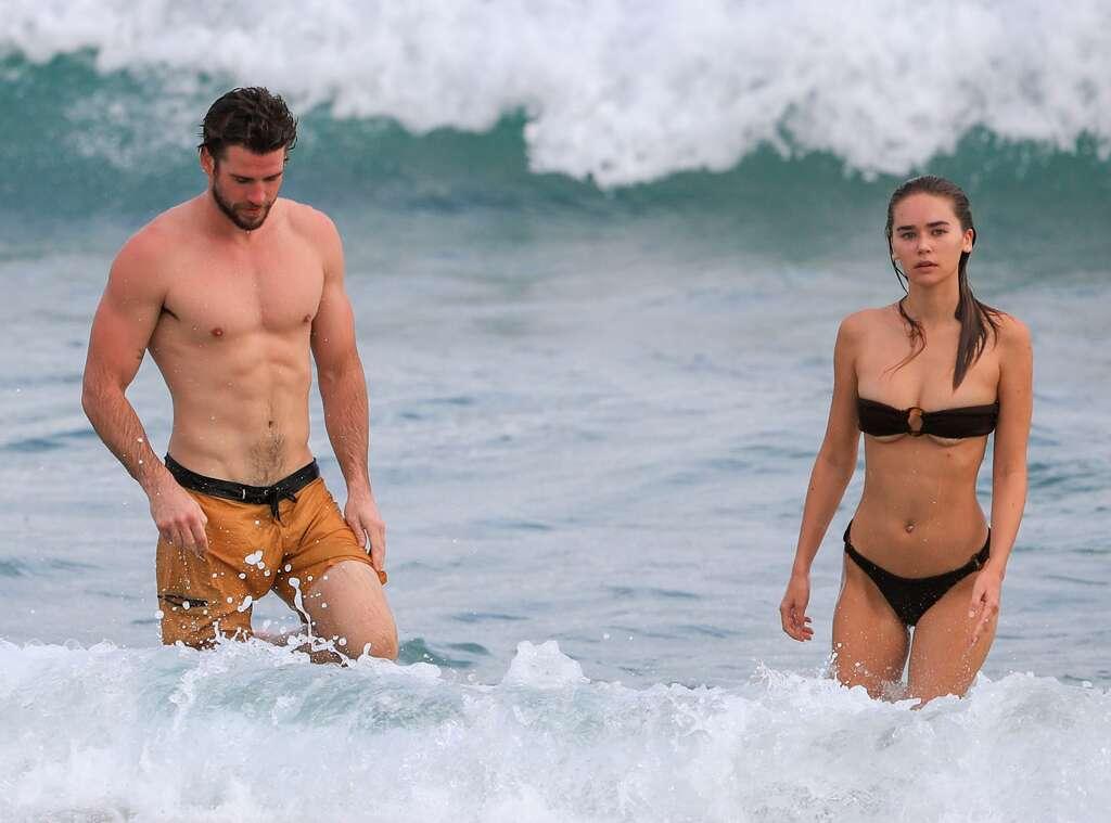 Liam và bạn gái mới Gabriella. Ảnh: SplashNews.