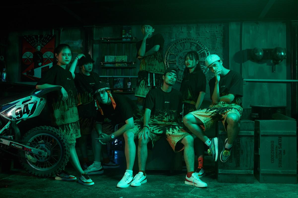 Nhiều thí sinh King Of Rap - chương trình LK làm HLV tham gia hỗ trợ MV.