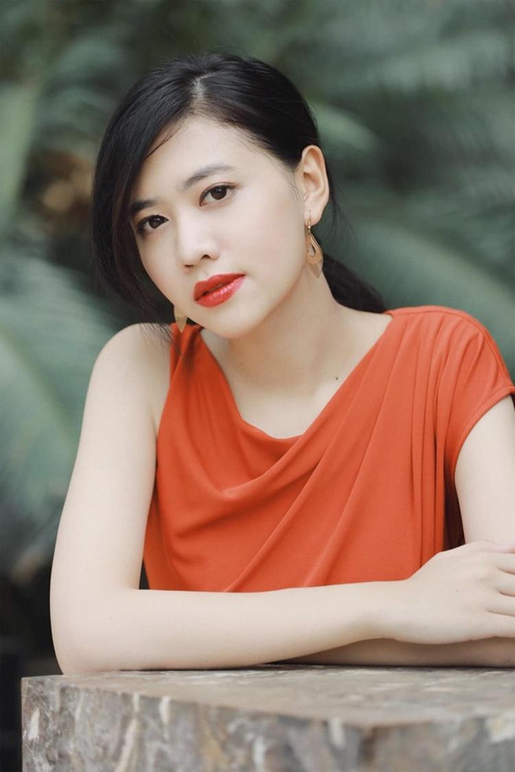 Ánh My vui vì được dì ruột - diễn viên Trang Nhung - ủng hộ thi hoa hậu. Với cô, Trang Nhung không chỉ là người thân mà còn là thần tượng. Dì Nhung là người phụ nữ vẹn toàn. Dù bận rộn với các hoạt động nghệ thuật, công việc kinh doanh, dì vẫn dành thời gian bảo ban các cháu, cô nói.