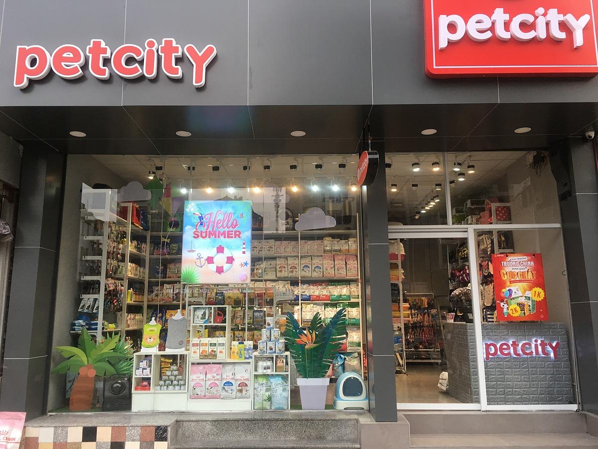 Pet City là một trong số những cửa hàng thú cưng lớn nhất ở Hà Nội. Ảnh: PetCity.vn