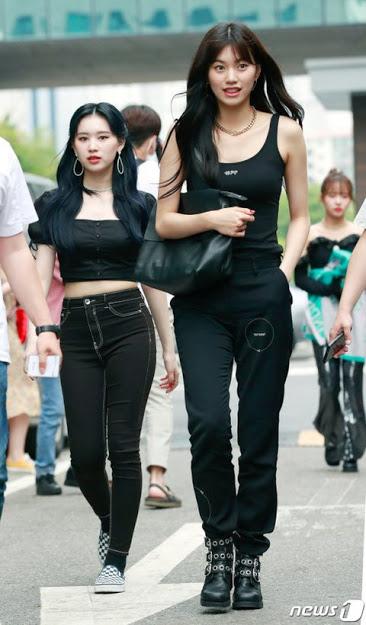Do Yeon (Weki Meki) có ngoại hình chuẩn người mẫu.
