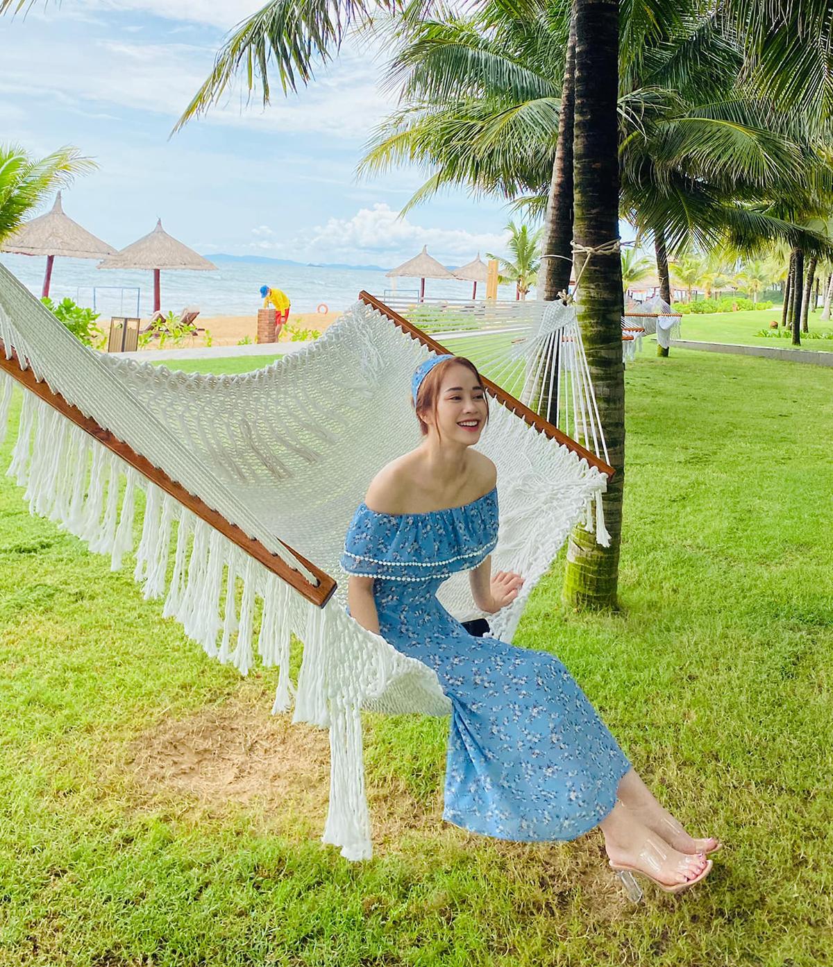 Ở đời thường, thí sinh Hoa hậu Việt Nam 2020 thích phong cách nữ tính, phù hợp với vẻ đẹp ngọt ngào.