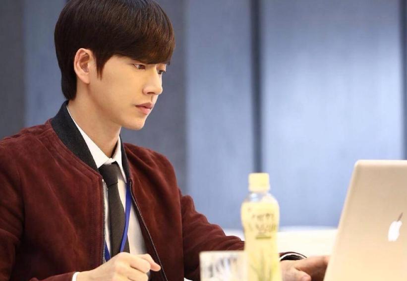 Những nhân vật nổi bật cho trào lưu bệnh tâm thần trên màn ảnh Hàn Quốc - 8