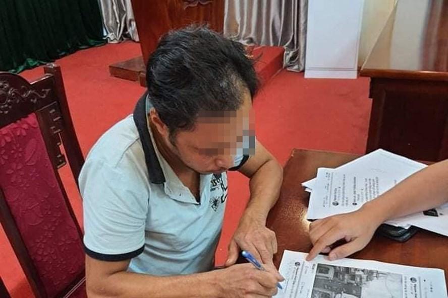 Nguyễn Việt Quý tại cơ quan công an. Ảnh: Công an cung cấp