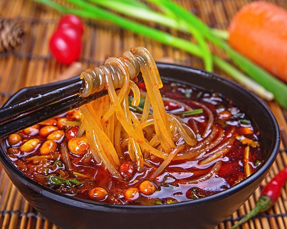 Đồ ăn Trung có vùng còn vừa mặn vừa cay, quả thực khó ăn đối với những du học sinh  mới qua.