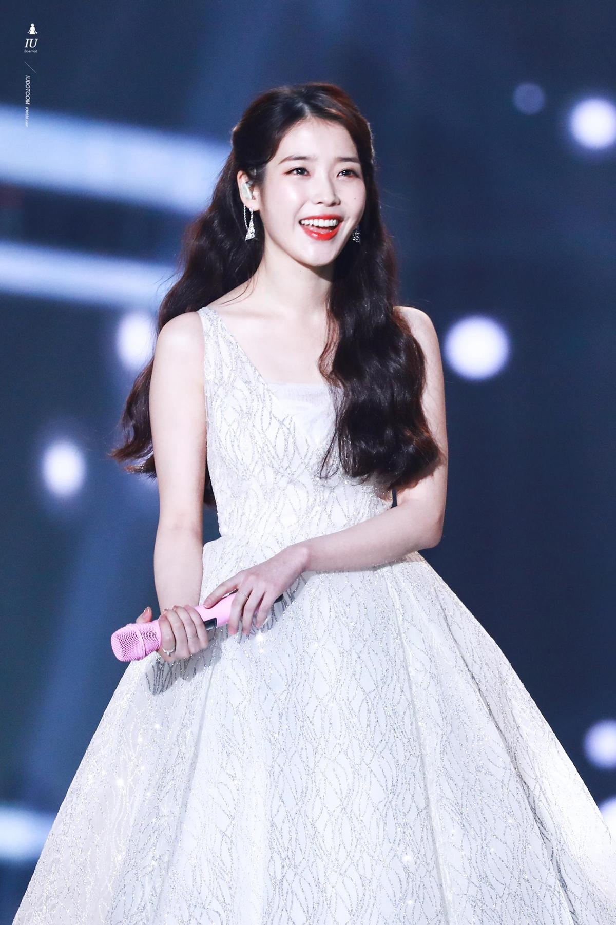 IU và khoảnh khắc tỏa sáng tại Melon Music Awards 2017.