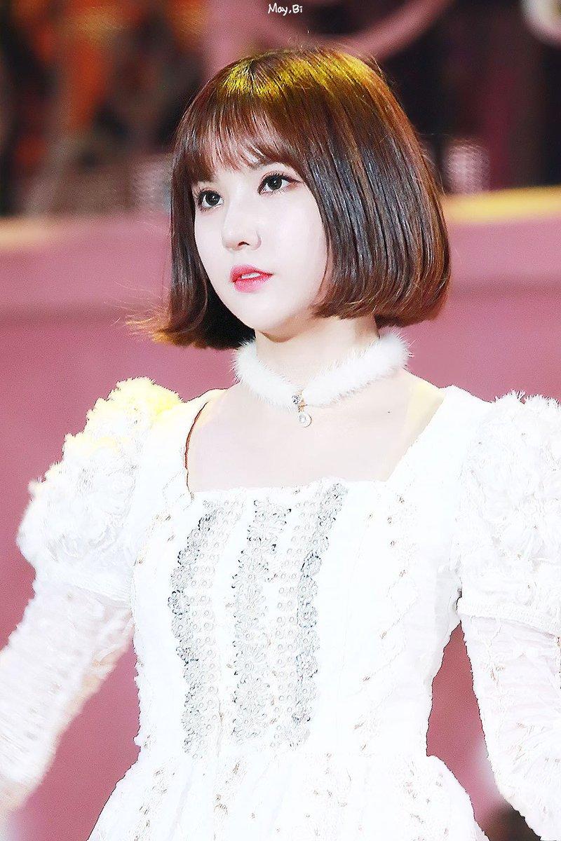 Ngoại hình như búp bê của Eun Ha (GFriend).