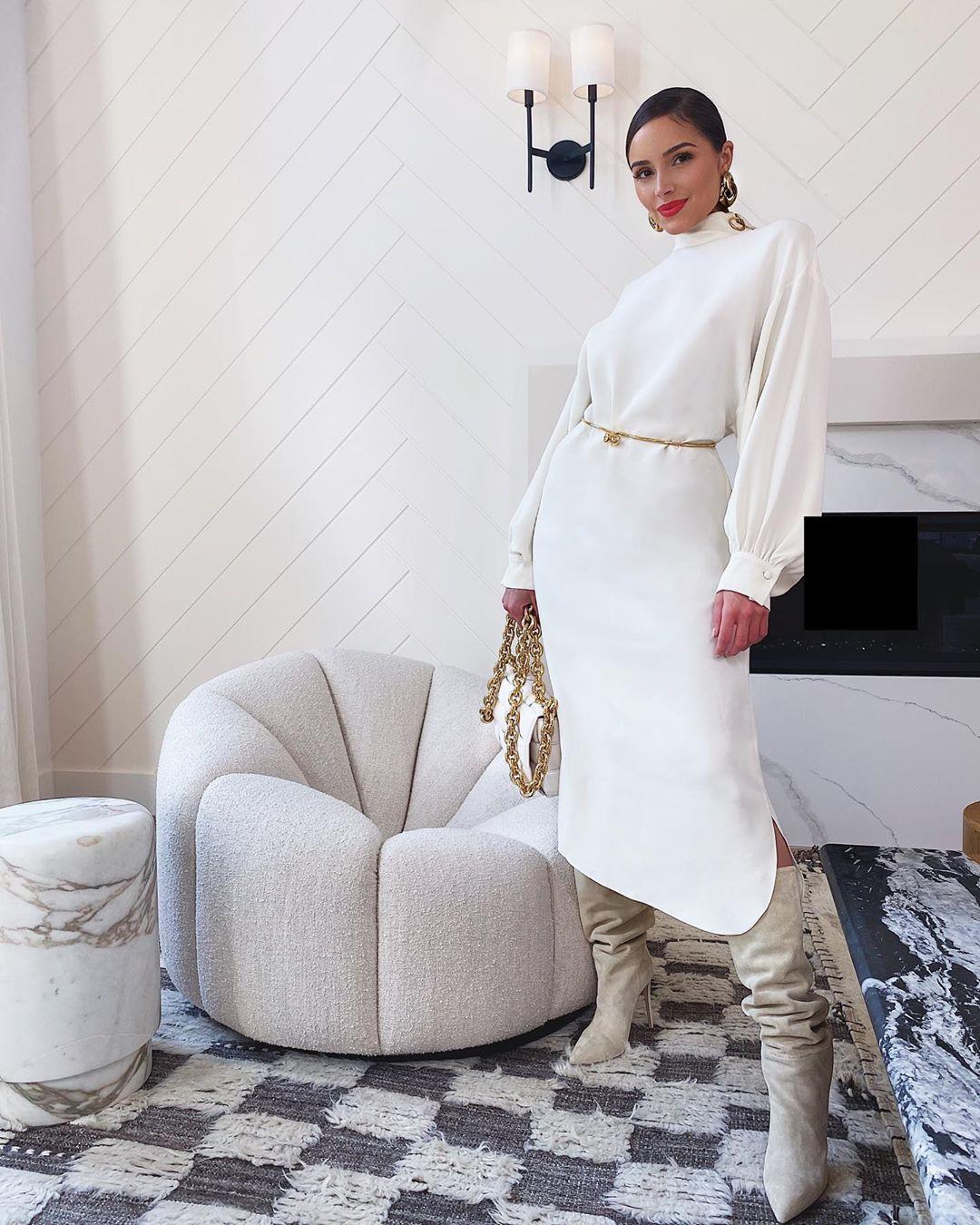 Tổng giá trị outfit Olivia Culpo mặc đi cà phê là 7737 USD, khoảng 180 triệu đồng.