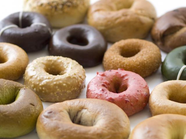 Tín đồ nghiện bánh biết gì về donut? - 3
