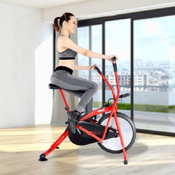 Đạp xe mang lại nhiều lợi ích như giảm đau xương khớp, tăng cường độ dẻo dải, bền bỉ...