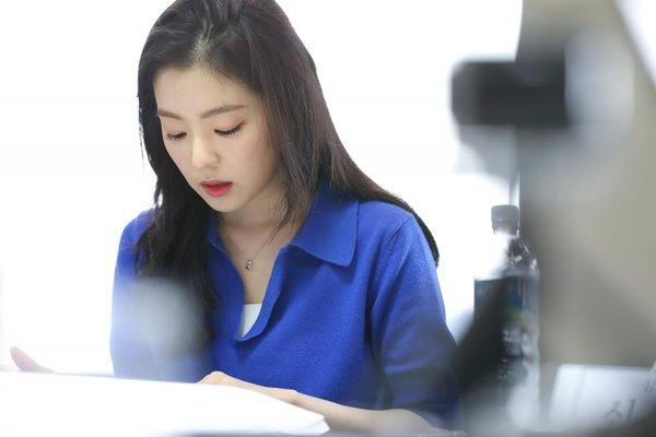Trưởng nhóm Red Velvet đảm nhận vai nữ chính trong bộ phim điện ảnh Double Patty, tác phẩm kể về quá trình trưởng thành của những người trẻ tuổi, sống dưới áp lực của xã hội hiện đại. Irene vào vai Lee Hyun Ji - một cô gái đang nỗ lực để trở thành phát thanh viên thời sự.