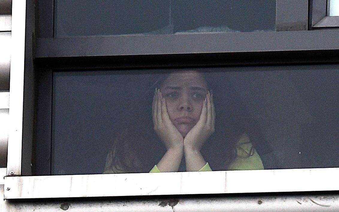 Sinh viên bị cô lập trong ký túc xá sau khi trở lại trường vào năm học mới. Ảnh: Daily Record.