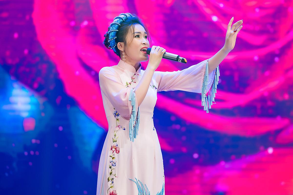 Thanh Hiển trong đêm chung kết.
