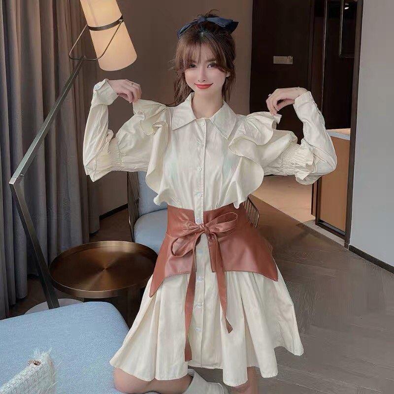 Trong các bức hình street style của giới trẻ Trung Quốc gần đây, không khó để thấy đây là kiểu đồ rất phổ biến.