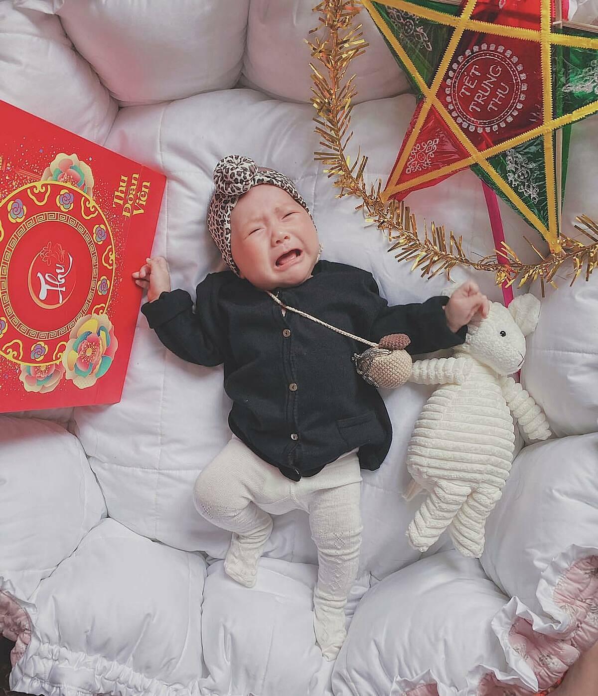 Bé Dâu Tây - con gái Phan Văn Đức.