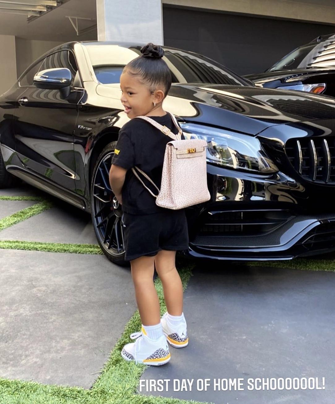 Hình ảnh con gái do Kylie Jenner chia sẻ.