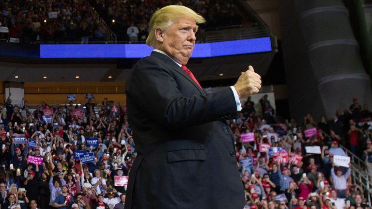 Trump ở buổi tranh luận Tổng thống đêm 29/9. Ảnh: AFP/Getty Images/Saul Loeb