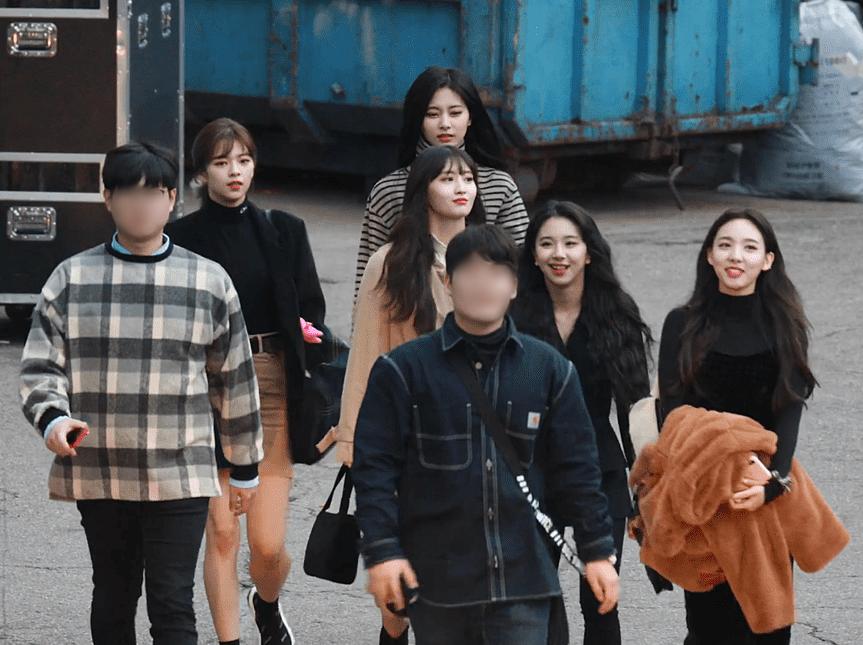 Bức ảnh đời thực của Twice gây choáng vì tràn ngập visual