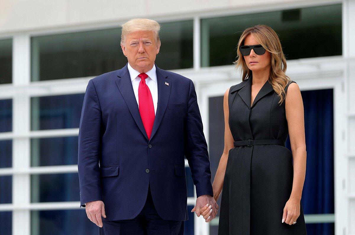 Trump và Đệ nhất Phu nhân dương tính với nCoV. Ảnh: Reuter. .