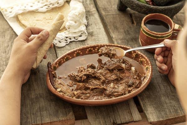 Yêu ẩm thực Mexico, hãy kể tên 10 món ăn vặt đặc sản - 17