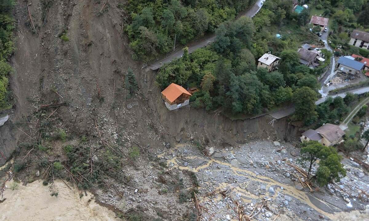 Thiệt hại ở Saint-Martin-Vesubie ở miền đông nam nước Pháp.