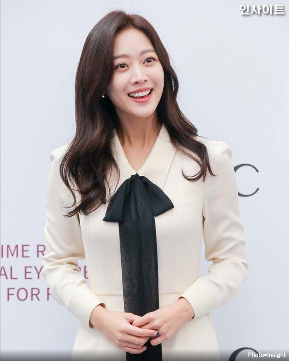 Mỹ nữ Jo Bo Ah được khán giả mong chờ sẽ tạo phản ứng hóa học với Lee Dong Wook.