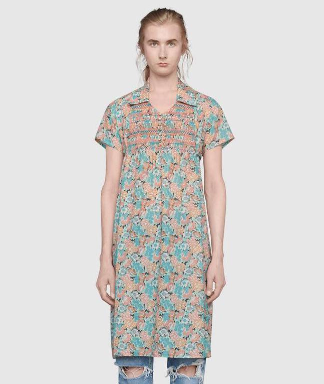 Trong BST này, Gucci giới thiệu rất nhiều mẫu váy dành cho nam, được hãng giải thích là phá vỡ những định kiến độc hại tạo nên khuôn mẫu nam tính. Sau khi xuất hiện trên sàn diễn, những bộ đầm cho đàn ông này đã được Gucci đưa lên kệ để phục vụ cho mùa thu đông