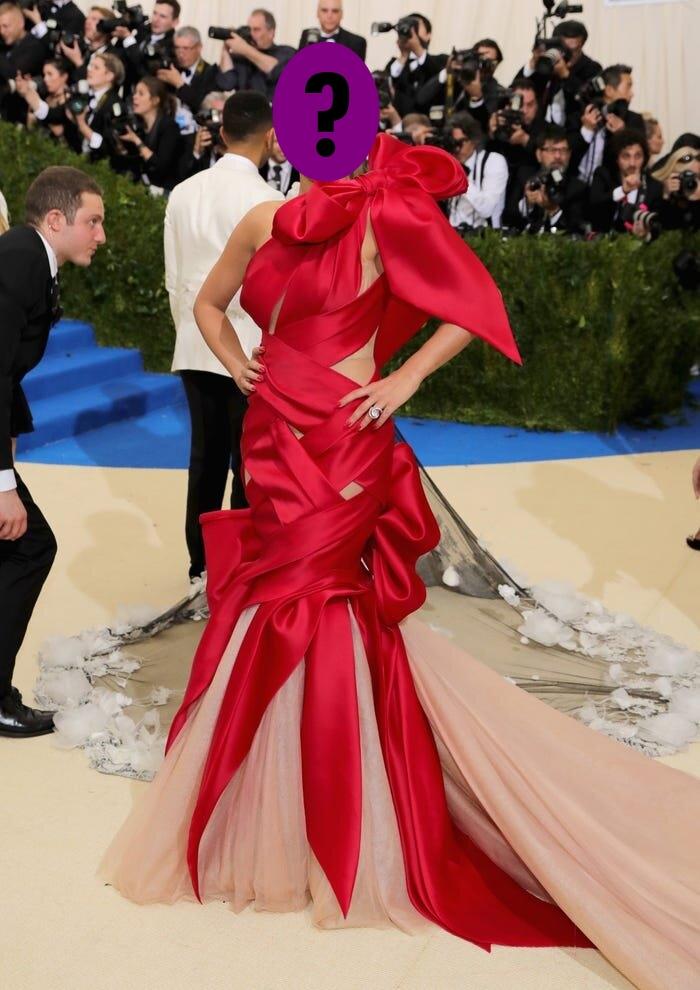 9 bộ váy khoe da thịt hết cỡ của loạt sao nữ Hollywood - 10