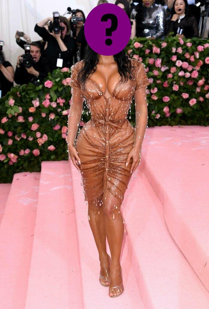 9 bộ váy khoe da thịt hết cỡ của loạt sao nữ Hollywood - 14