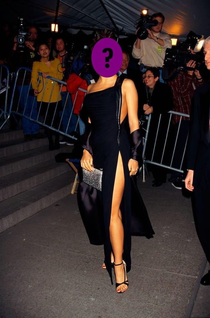 9 bộ váy khoe da thịt hết cỡ của loạt sao nữ Hollywood