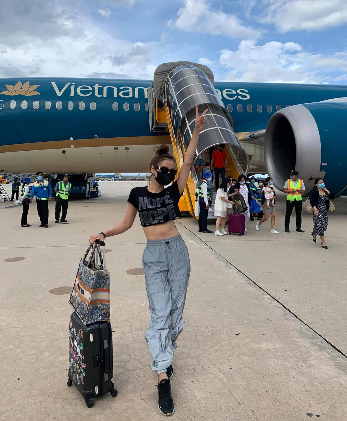 Phương Trinh Jolie tạm dừng công việc một vài ngày để thưởng cho mình chuyến du lịch dịp sinh nhật.