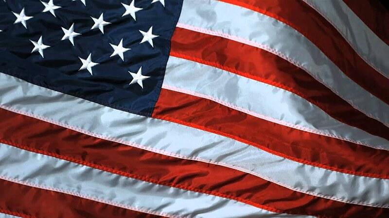 Có bao nhiêu sọc đỏ và trắng trên lá cờ Mỹ? - 3